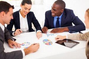אנשי עסקים בפגישה