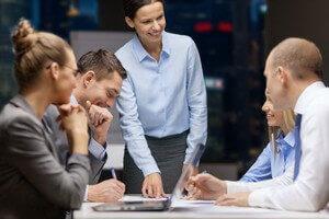 פגישת אנשי עסקים במנורה מבטחים